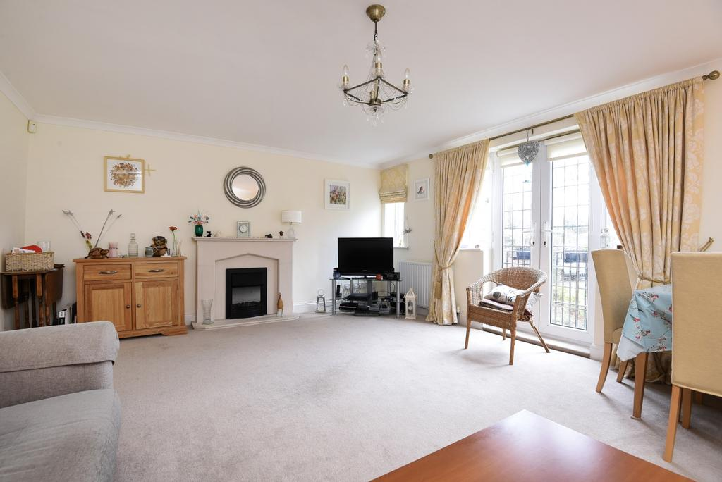 2 Bedrooms Flat for sale in Corkscrew Hill West Wickham BR4