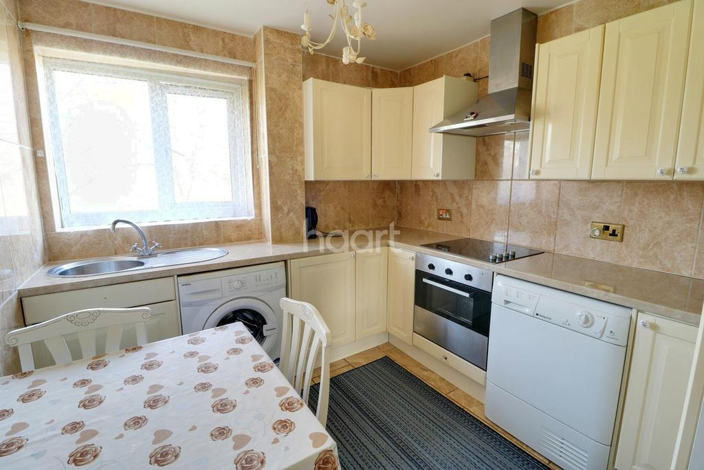 1 Bedroom Flat for sale in Maple Leaf Court, Waltham cross, EN8