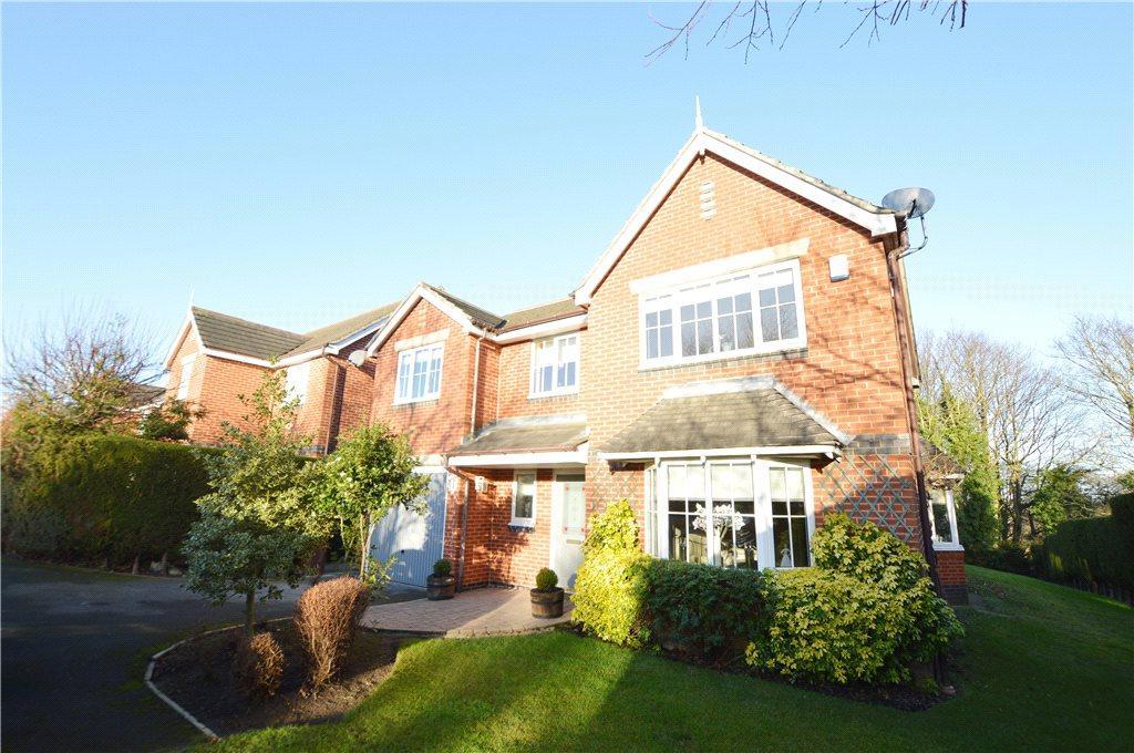 5 Bedrooms Detached House for sale in Hanbury Gardens, Garforth, Leeds