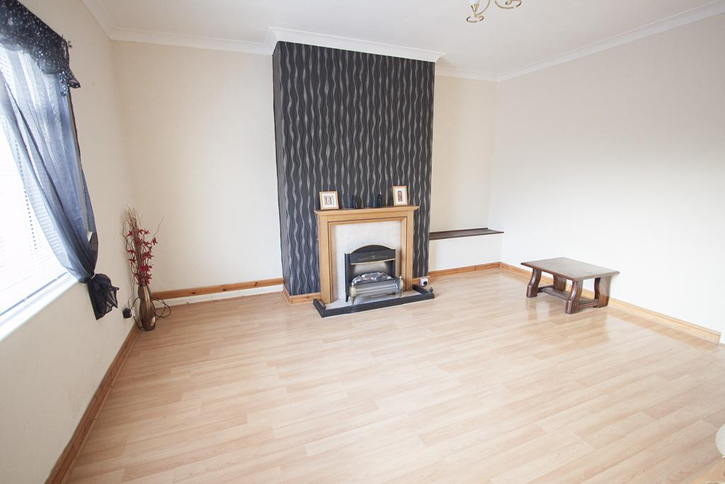 2 Bedrooms Village House for sale in Killinghall Row, Middleton St George, Darlington DL2