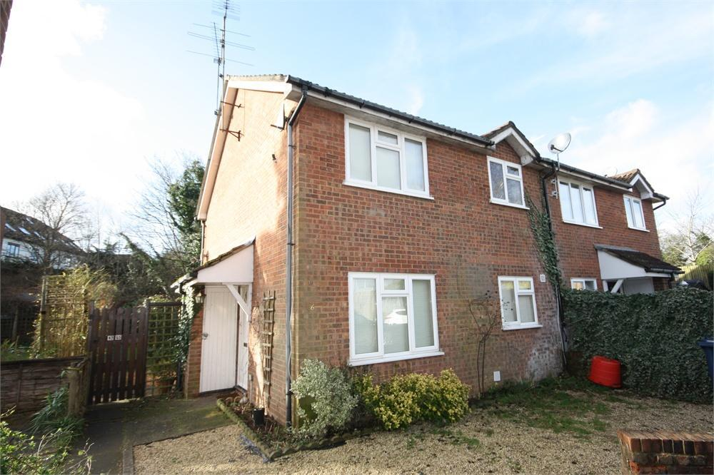 1 Bedroom End Of Terrace House for sale in Southern Way, Farnham, Surrey