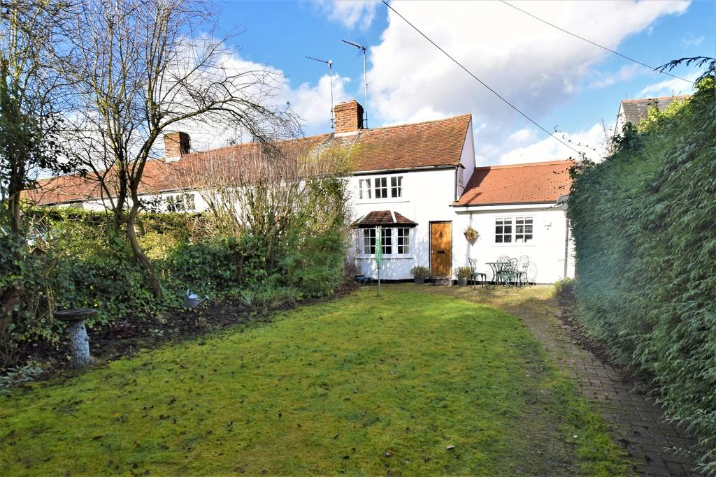 2 Bedrooms End Of Terrace House for sale in Braintree Road, Dunmow