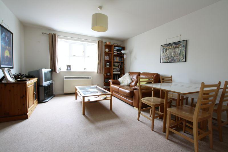 2 Bedrooms Apartment Flat for sale in Basevi Way, Deptford, SE8