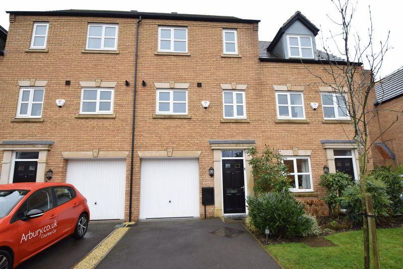 3 Bedrooms Town House for sale in Shire Oak Close, Walsall