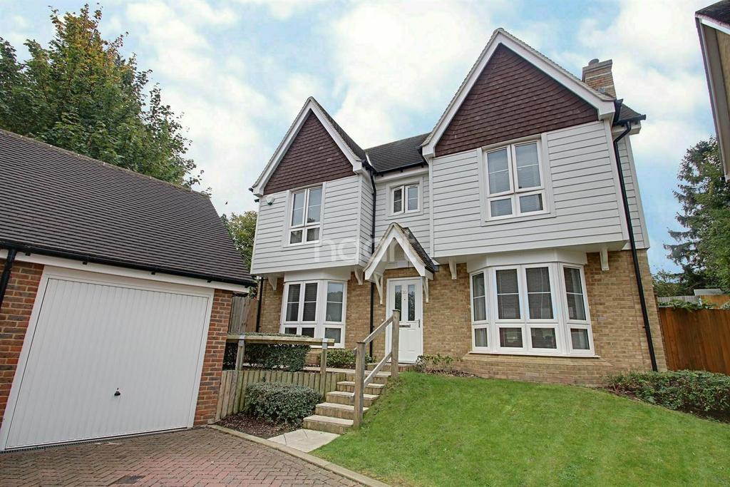 4 Bedrooms Detached House for sale in Lillymonte Drive, Rochester, ME1