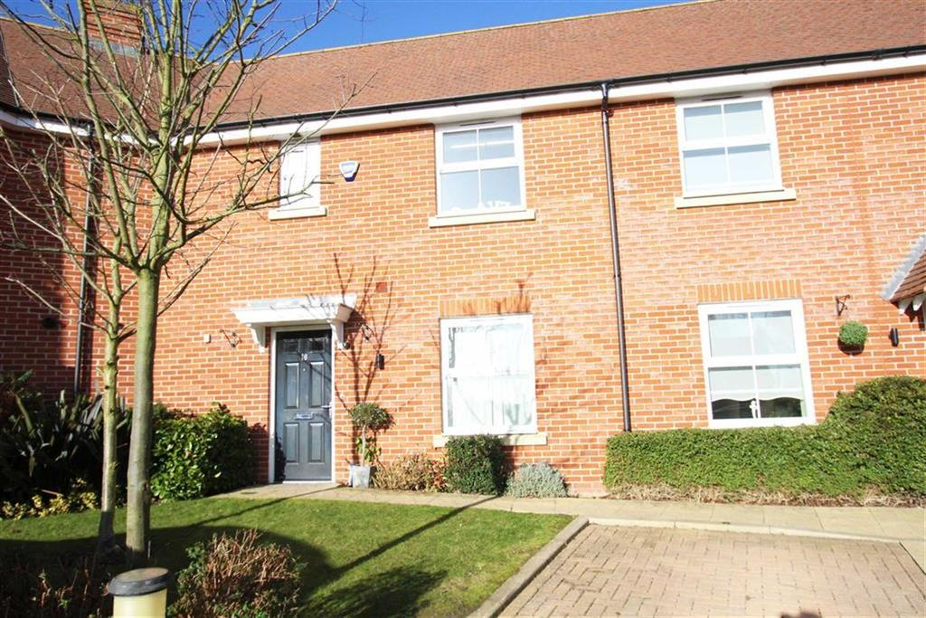 3 Bedrooms Terraced House for sale in Bell Hill Close, Billericay
