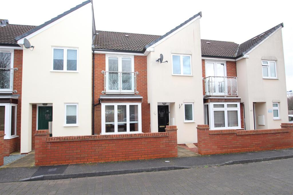 3 Bedrooms House for sale in Hunsbury Chase, Broughton, Milton Keynes