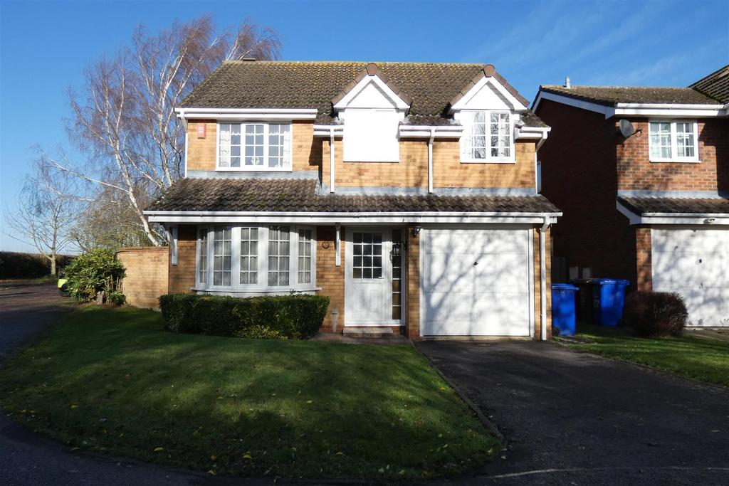 4 Bedrooms Detached House for sale in Fairey Fox Drive, Mildenhall