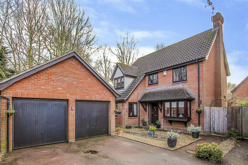 4 Bedrooms House for sale in Felstead Close, Hutton, Brentwood