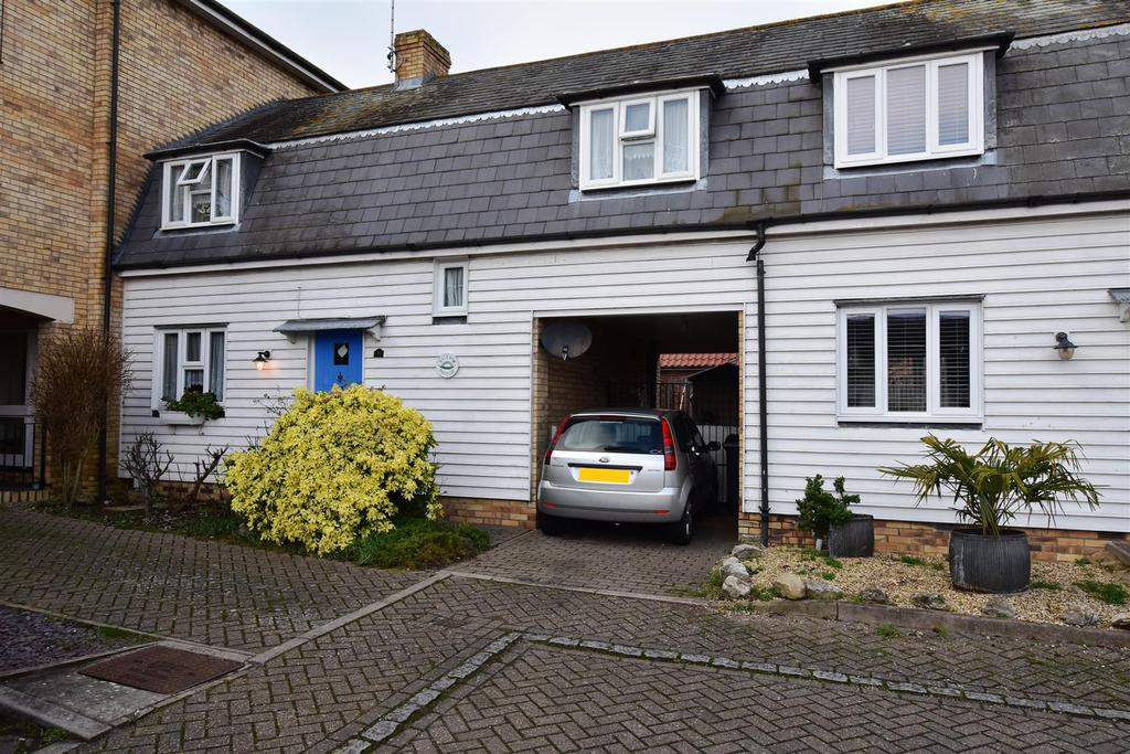 3 Bedrooms House for sale in Shirebourn Vale, South Woodham Ferrers, Chelmsford