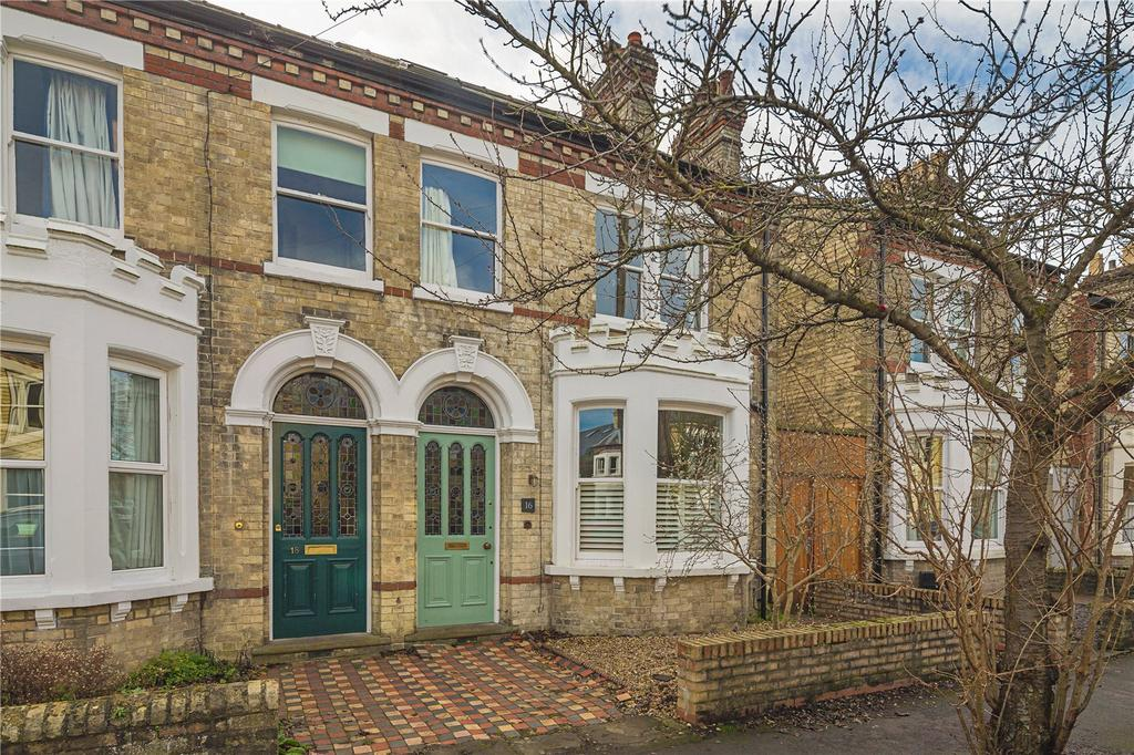 4 Bedrooms Semi Detached House for sale in Montague Road, Cambridge, CB4