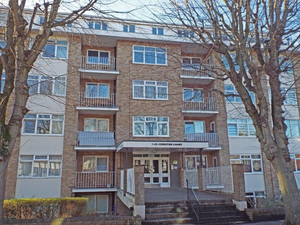 2 Bedrooms Flat for sale in Holland Road Hove East Sussex BN3