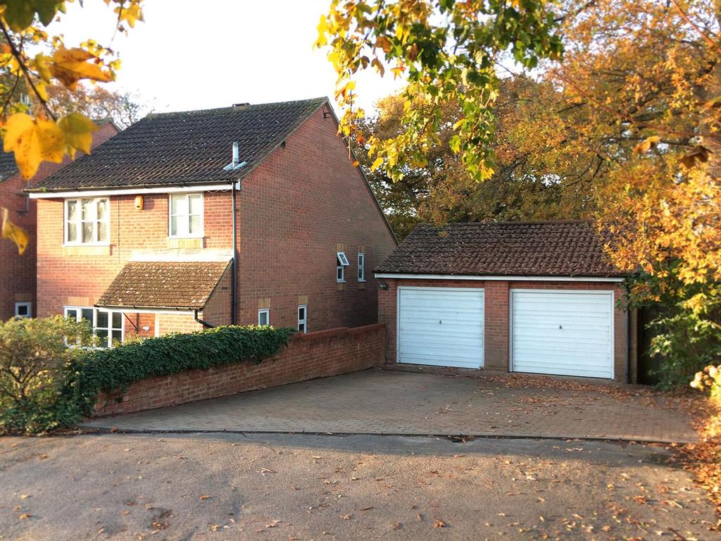 3 Bedrooms Detached House for sale in Drapers Way, St. Leonards-On-Sea