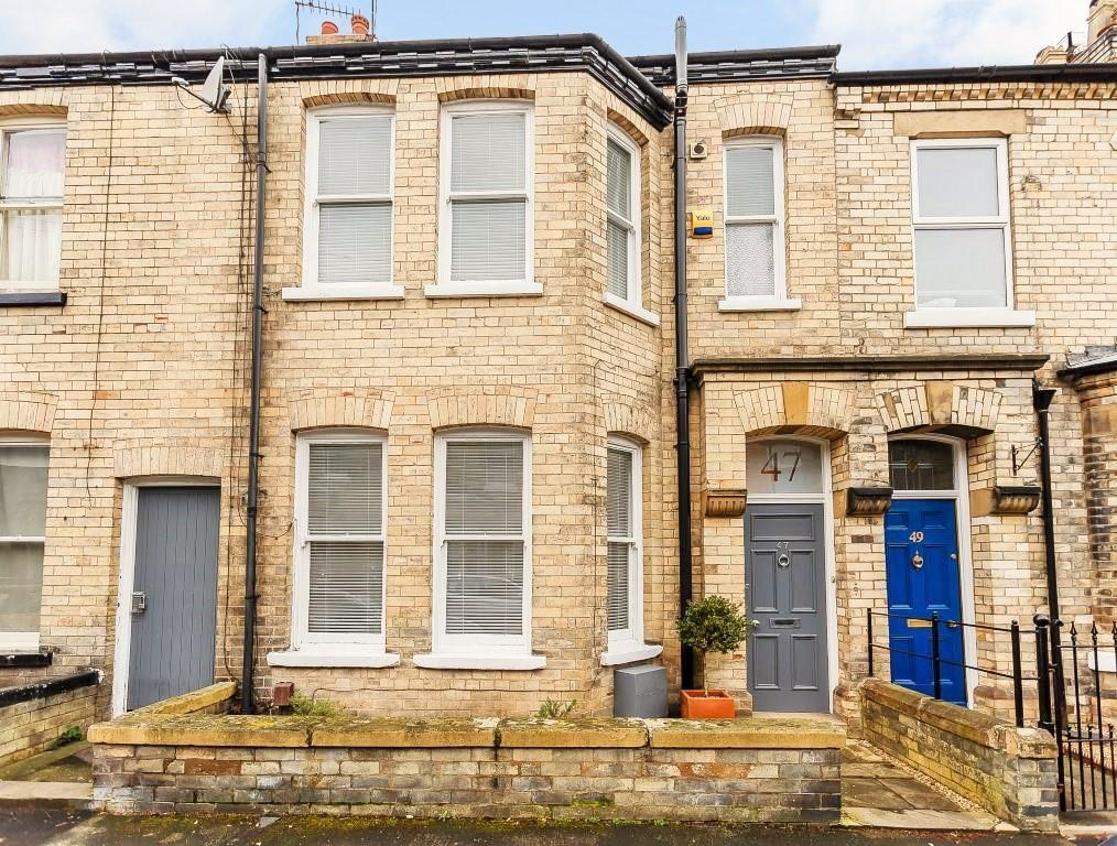 3 Bedrooms Terraced House for sale in St. Olaves Road, York, YO30 7AL