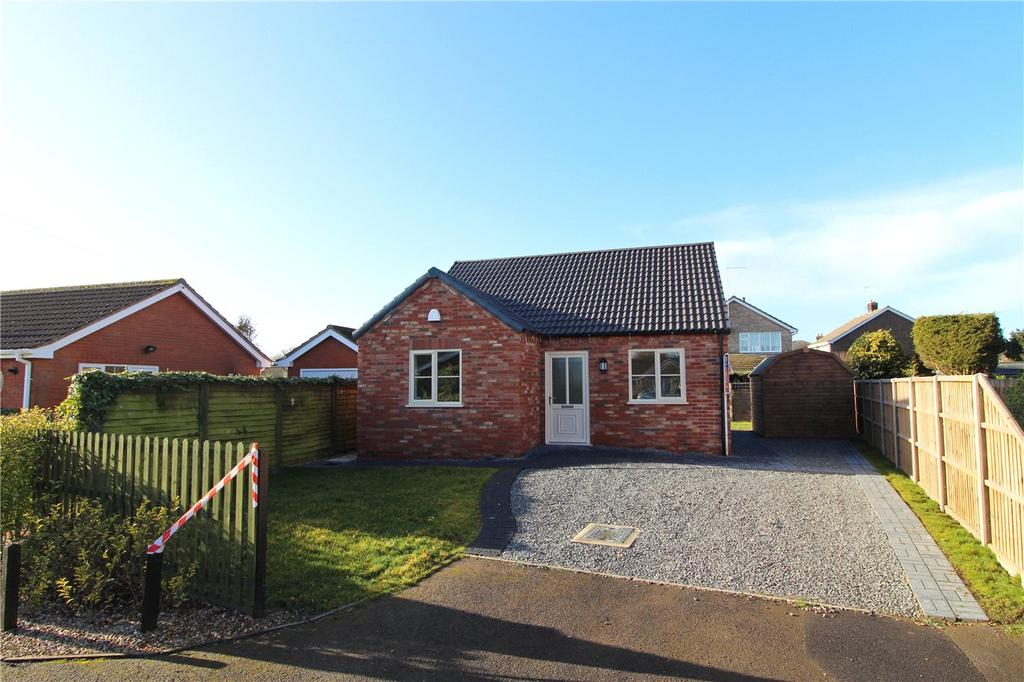2 Bedrooms Detached Bungalow for sale in Mulberry Way, Spalding, Lincolnshire, PE11
