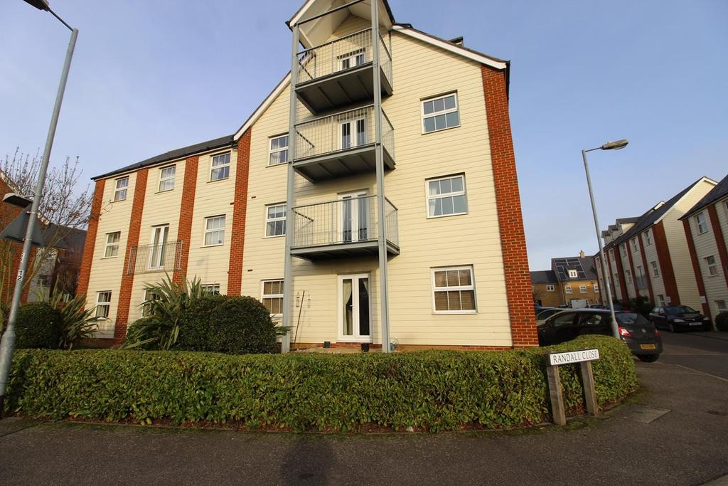 2 Bedrooms Ground Flat for sale in Randall Close, Witham, Essex, CM8