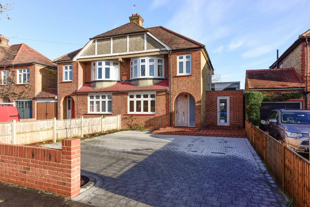 3 Bedrooms Semi Detached House for sale in Sidney Road, WALTON ON THAMES KT12
