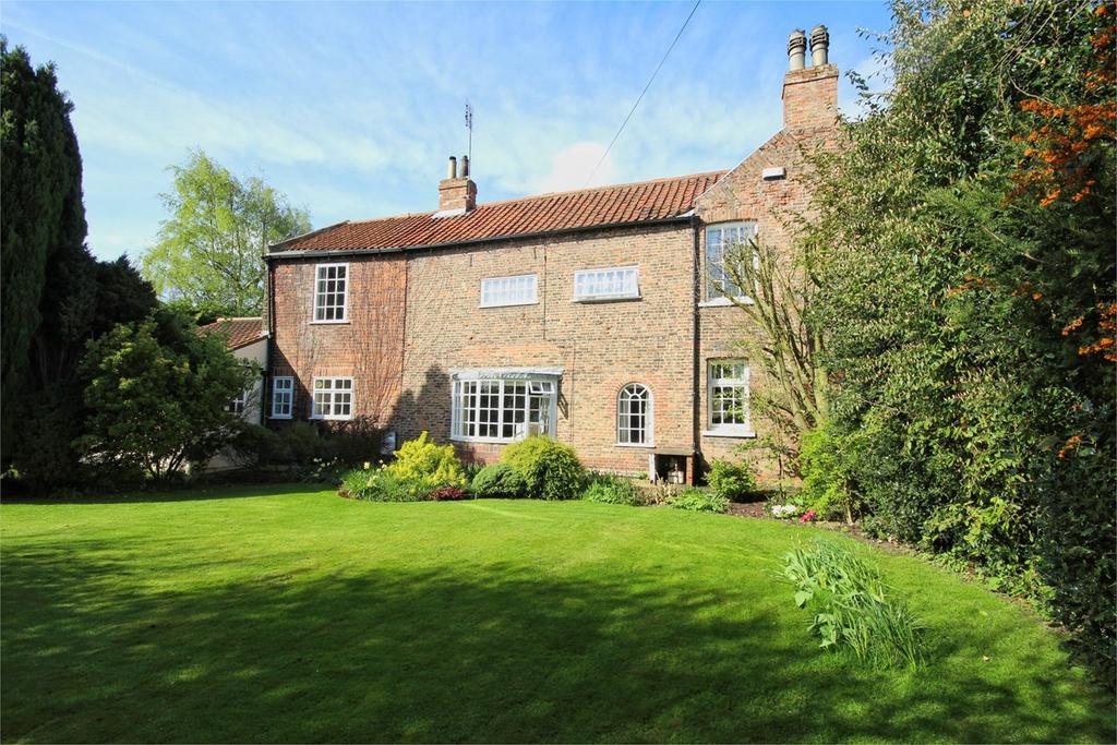 4 Bedrooms Detached House for sale in Northgate, Cottingham, HU16