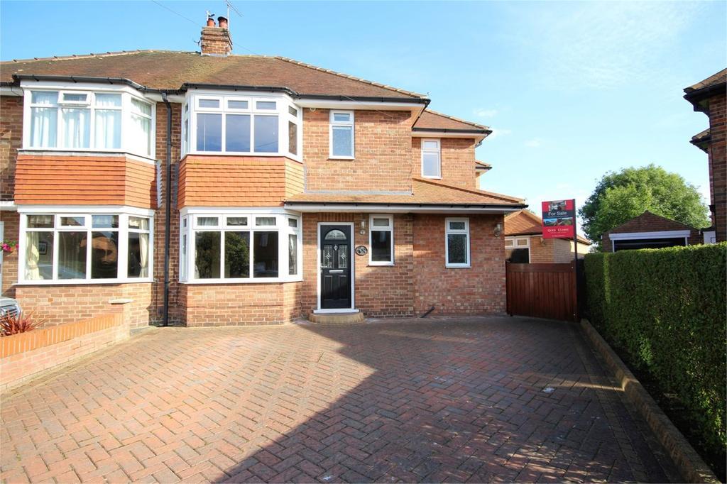 4 Bedrooms Semi Detached House for sale in Parkside Close, Cottingham, HU16