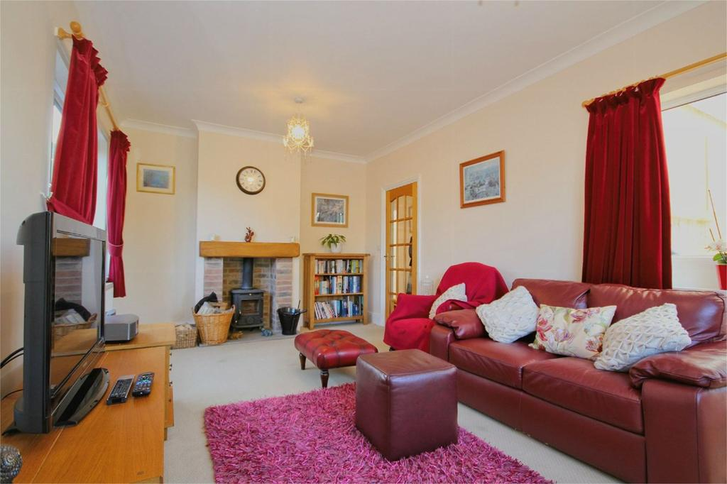 2 Bedrooms Detached Bungalow for sale in Southwood Avenue, Cottingham, HU16