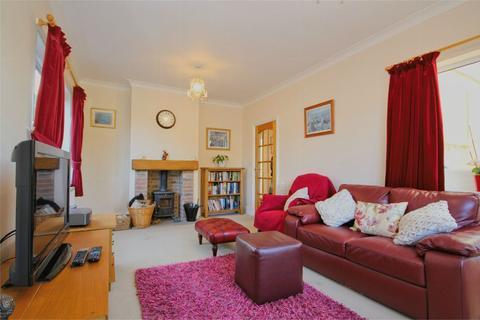 2 bedroom detached bungalow for sale - Southwood Avenue, Cottingham, HU16