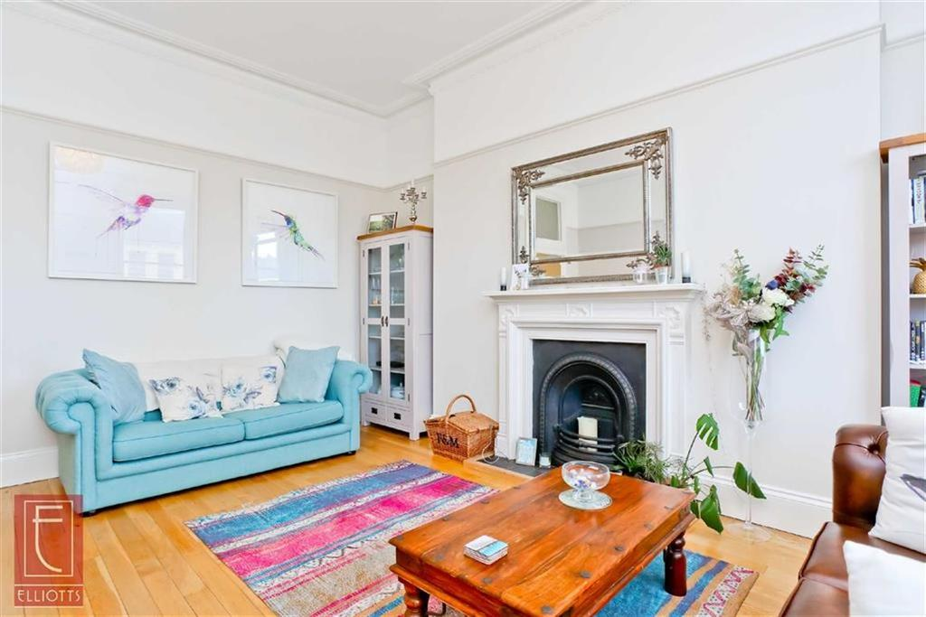 3 Bedrooms Apartment Flat for sale in Albert Mansions, Hove, East Sussex