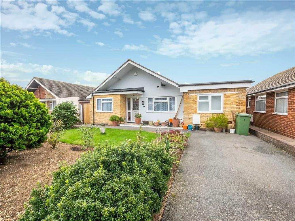 3 Bedrooms Detached Bungalow for sale in Elgin Gardens, Seaford