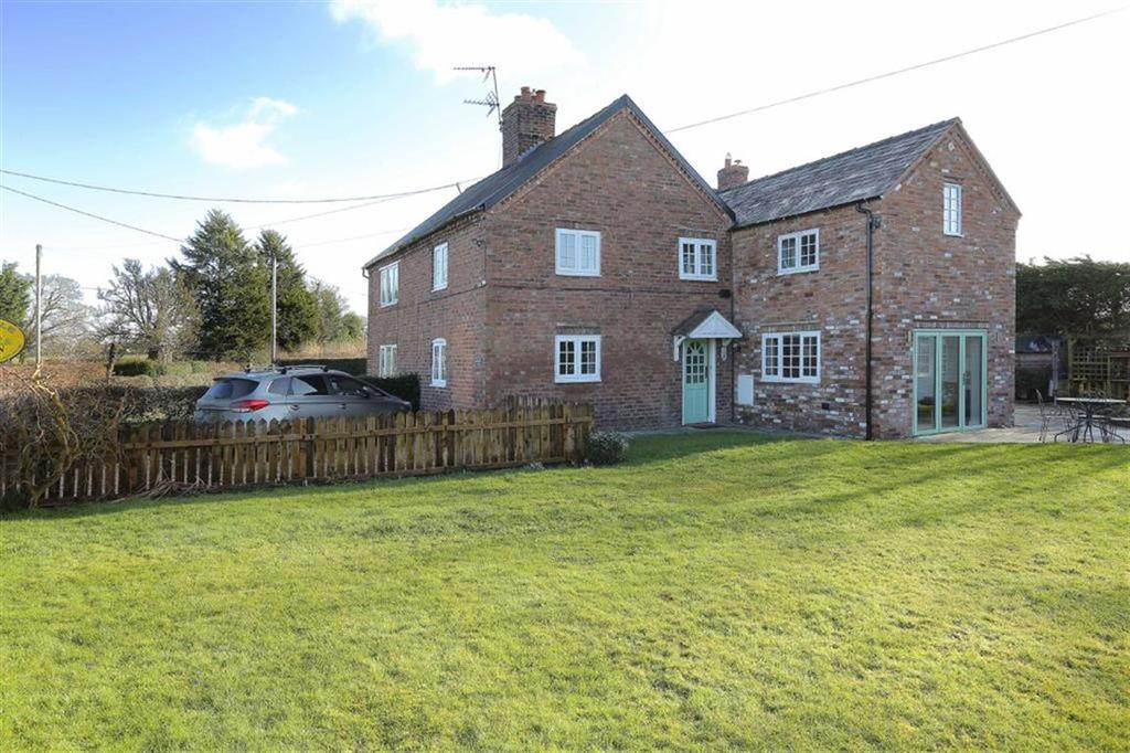4 Bedrooms Semi Detached House for sale in Common Lane, Norbury Common, Cheshire