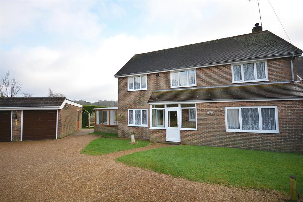 4 Bedrooms Detached House for sale in Park Farm Close, Etchingham