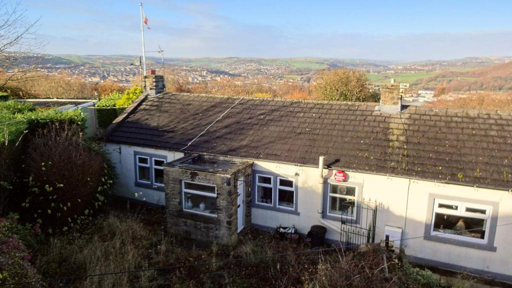 2 Bedrooms Semi Detached Bungalow for sale in 20 Church Lane, Elland HX5 9QB
