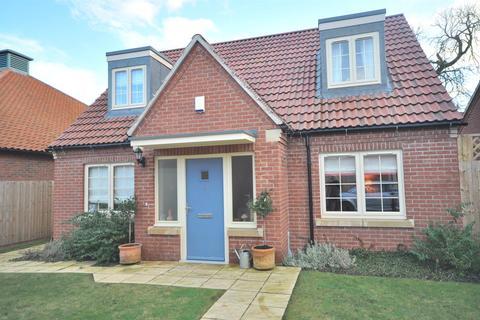3 bedroom detached bungalow for sale - Lime Close, Long Bennington