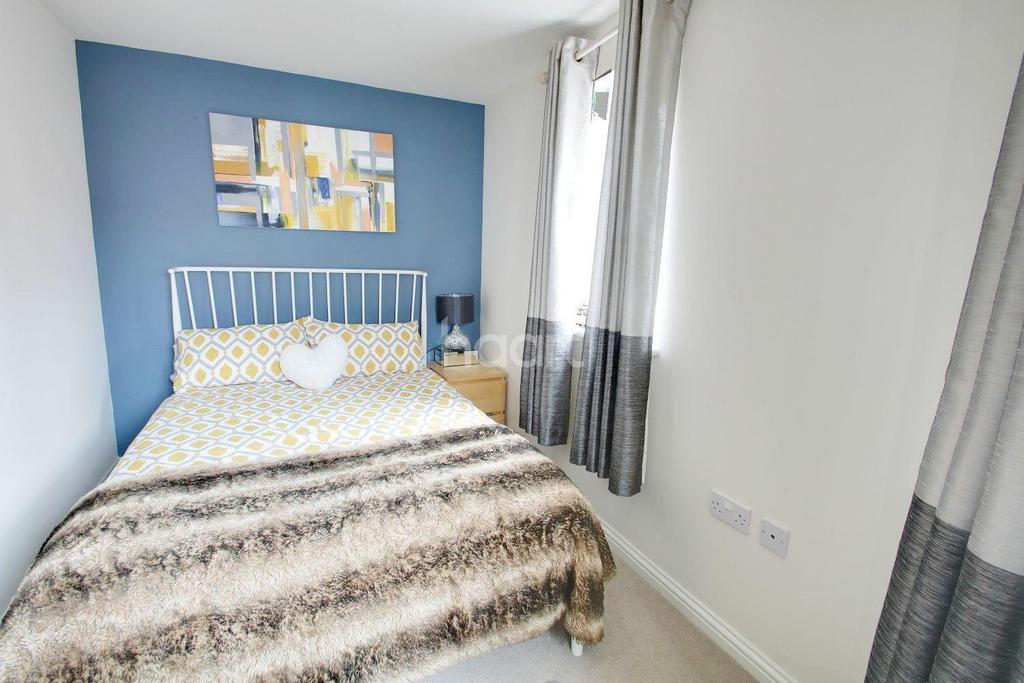 2 Bedrooms Maisonette Flat for sale in Mitchcroft Road, Longstanton