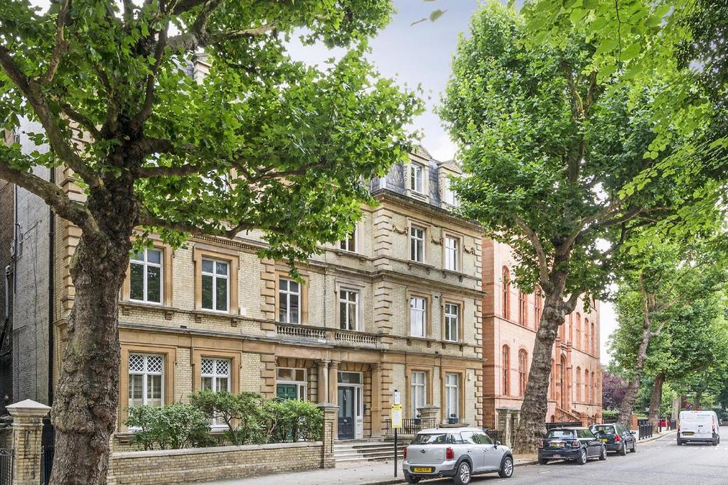 3 Bedrooms Flat for sale in Addison Road, Kensington