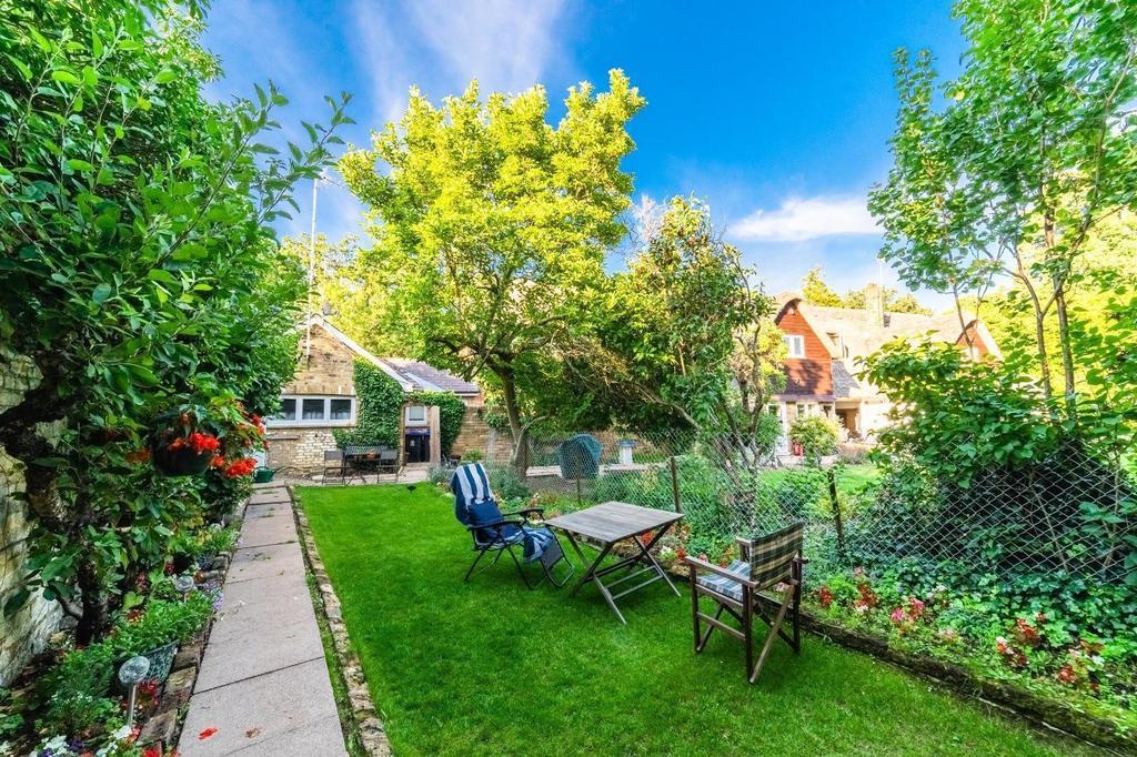Annexe and Garden