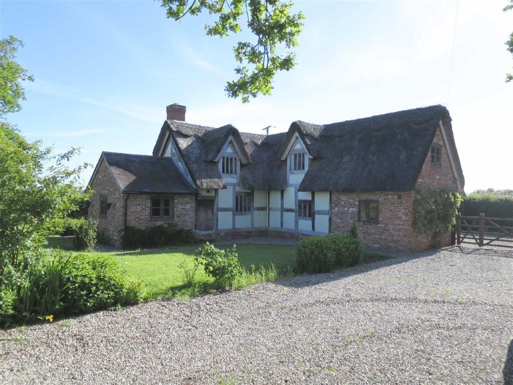 2 Bedrooms Detached House for sale in Vicarage Lane, Penley, LL13
