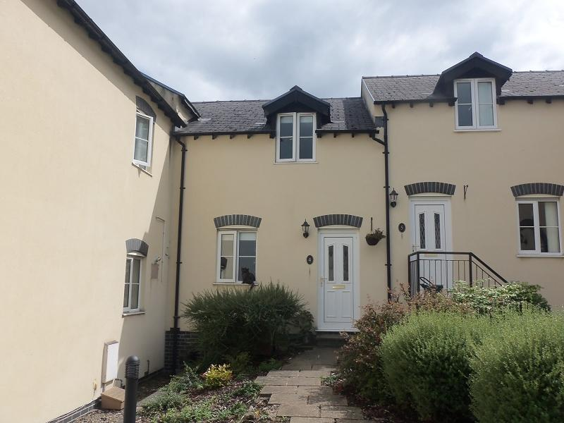 2 Bedrooms Terraced House for sale in Llys Ystrad , Johnstown, Carmarthen, Carmarthenshire.