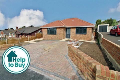 2 bedroom semi-detached bungalow for sale - Haymoor Road, Poole