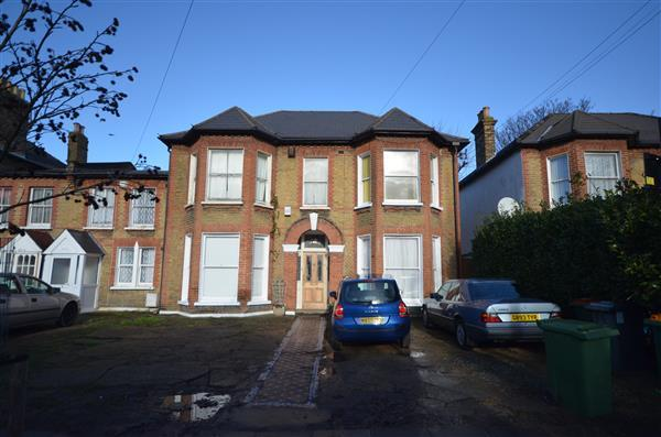 1 Bedroom Apartment Flat for sale in Windsor Road, Forest Gate