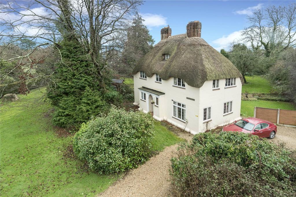4 Bedrooms Detached House for sale in Bladen Valley, Dorchester, Dorset