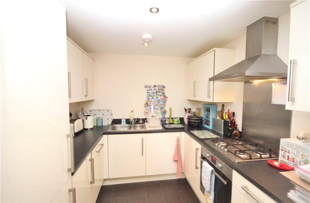 2 Bedrooms Apartment Flat for rent in Aston Court, Basin Road, Worcester, Worcestershire, WR5