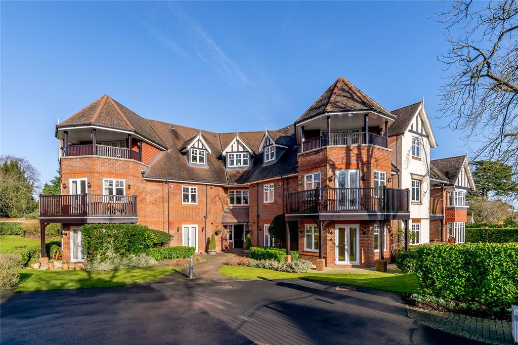 2 Bedrooms Flat for sale in Heritage Gate, 36 North Park, Gerrards Cross, Buckinghamshire