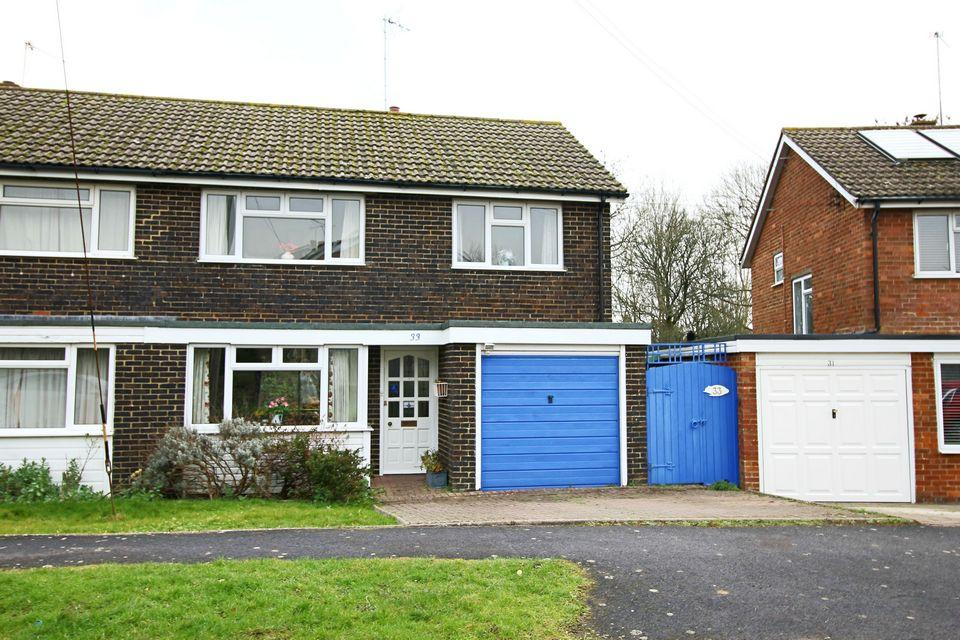 3 Bedrooms Semi Detached House for sale in East View Fields, Plumpton, Lewes, East Sussex, BN7 3EF