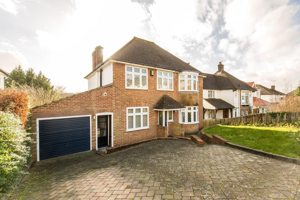 3 Bedrooms Detached House for sale in Westfield Avenue, Sanderstead, Surrey, CR2 9JY
