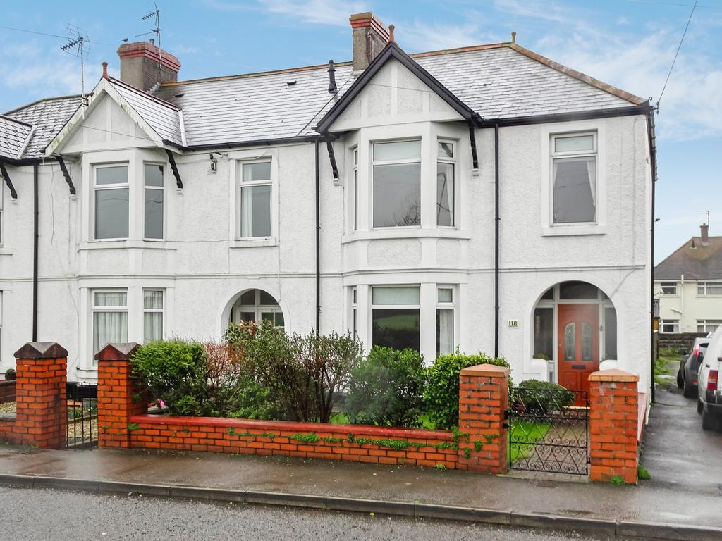 3 Bedrooms End Of Terrace House for sale in NEWTON NOTTAGE ROAD, PORTHCAWL, CF36 5EE