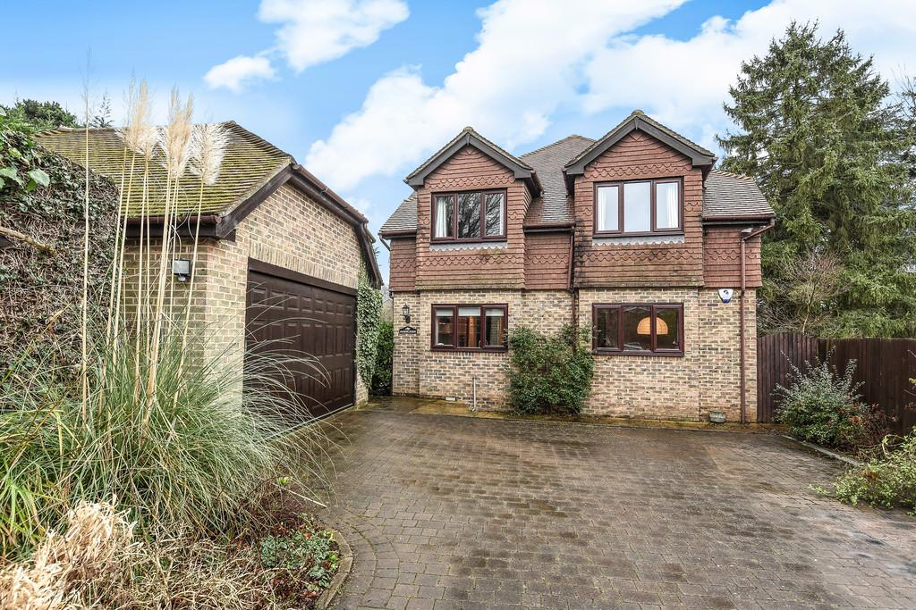 4 Bedrooms Detached House for sale in Queens Avenue, Maidstone