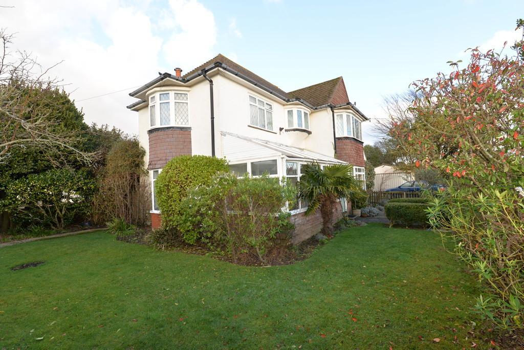 5 Bedrooms Detached House for sale in Hengistbury Road, Barton On Sea, New Milton