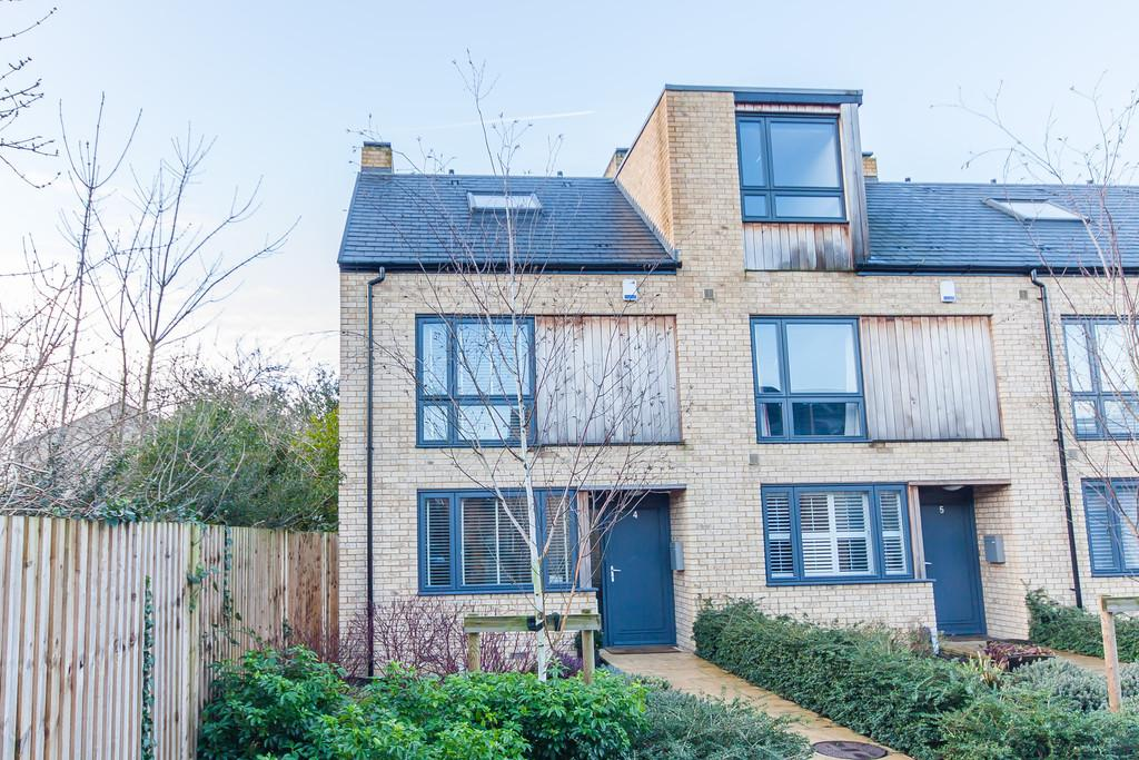 3 Bedrooms End Of Terrace House for sale in Austin Court, Cambridge