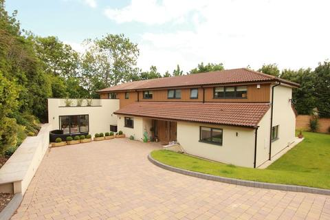 5 bedroom detached house for sale - Old Barry Road, Penarth