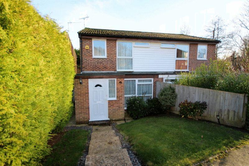 3 Bedrooms Semi Detached House for sale in Pineham Copse, Haywards Heath