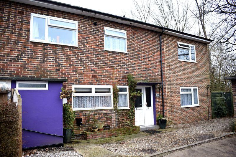 5 Bedrooms Terraced House for sale in Glebelands, Harlow